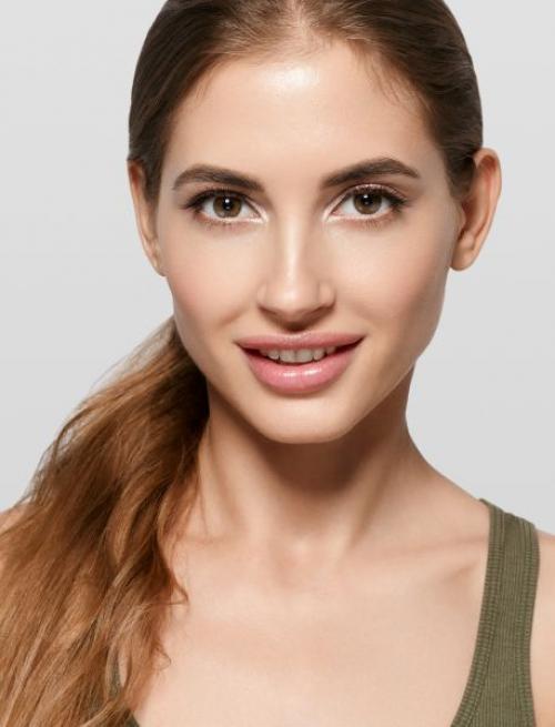Контуринг волос для овального лица. Контуринг овального лица: макияж в 4 шага