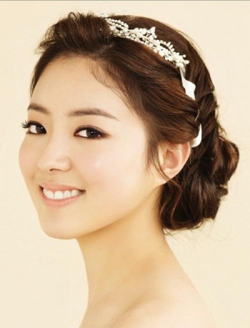 Корейские прически для девушек короткие. Корейские свадебные прически для девушек своими руками (с фото)