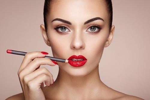 Что это салонный макияж. Преимущества профессионального макияжа