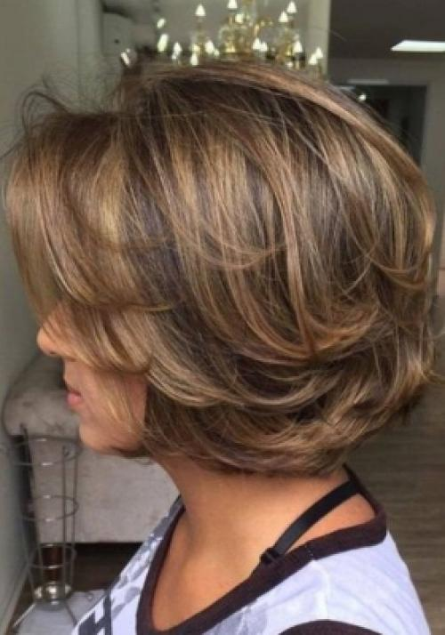 Красивые прически на средние волосы для женщин 50+