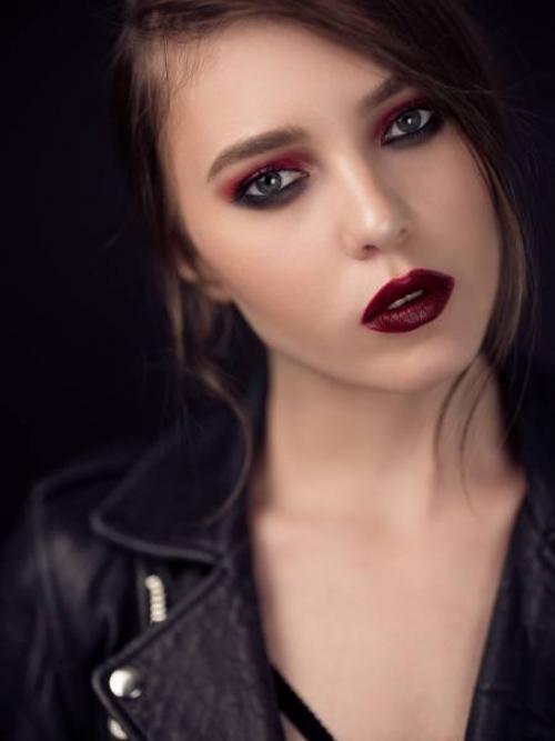 Макияж в стиле гранж 2019. Как сделать макияж в стиле гранж?