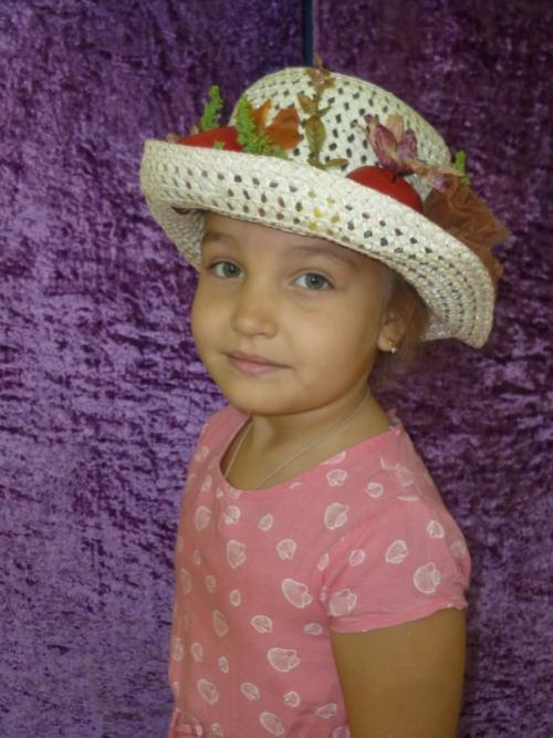 Как своими руками украсить шляпу. Как украсить шляпу: простые и эффектные способы 29