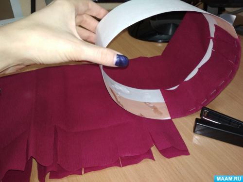 Как своими руками украсить шляпу. Как украсить шляпу: простые и эффектные способы 39