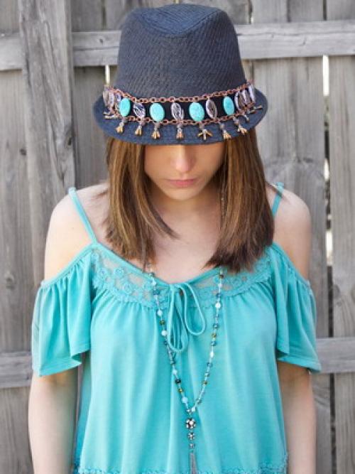 Как своими руками украсить шляпу. Как украсить шляпу: простые и эффектные способы 04