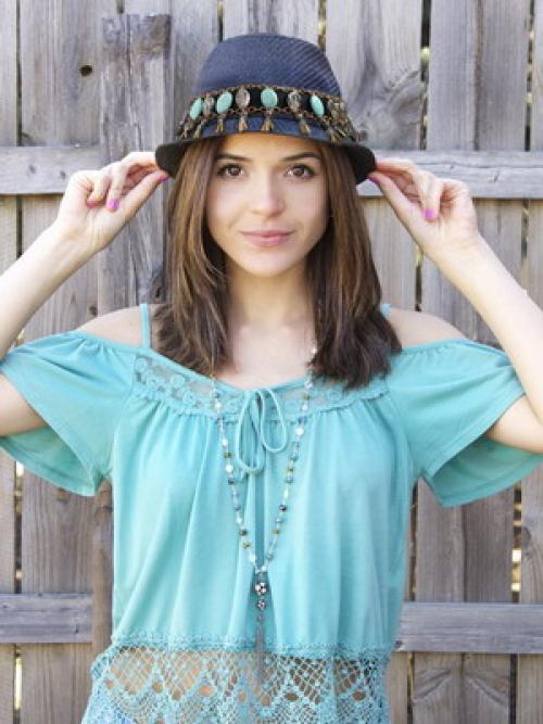 Как своими руками украсить шляпу. Как украсить шляпу: простые и эффектные способы 05