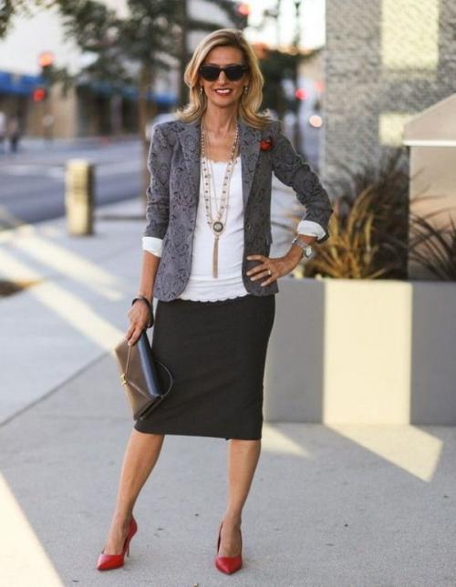 Современная мода для женщин 40 лет. Офисный лук
