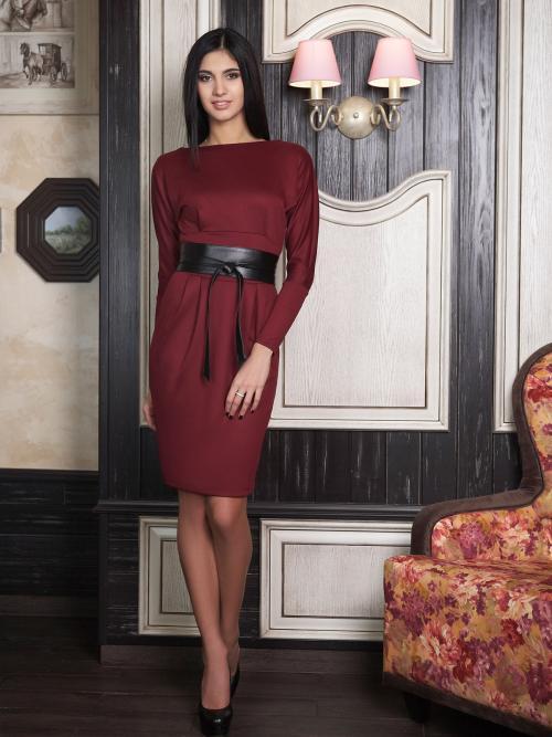Бордовое платье с кружевом. Выбор модели по типу фигуры