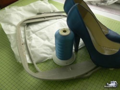 Как украсить туфли кружевом. Как украсить туфли вышитым кружевом