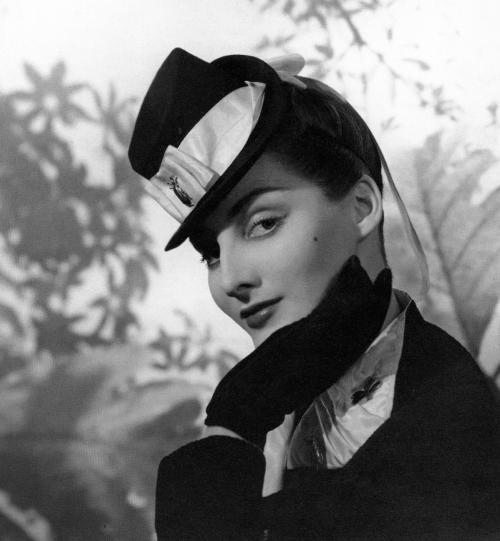 Дизайнеры одежды 21 века. Эльза Скиапарелли