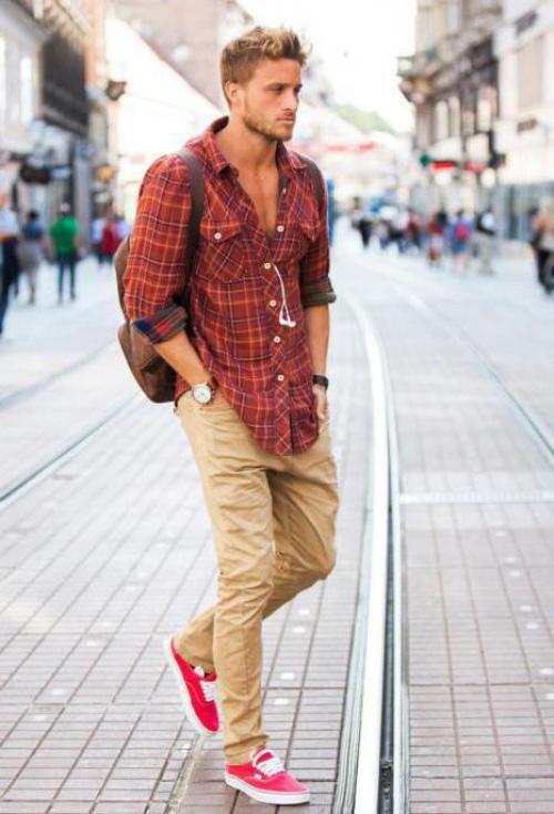 С чем носить красные кеды мужчинам. С чем носить красные мужские кеды
