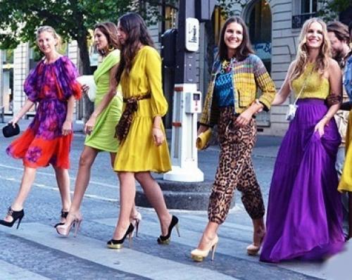 С каким цветом в одежде сочетается сливовый цвет. Как носить сливовый цвет