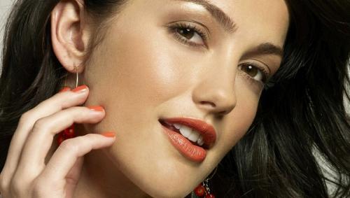 Нежный макияж для брюнетки. Дневной макияж для брюнеток
