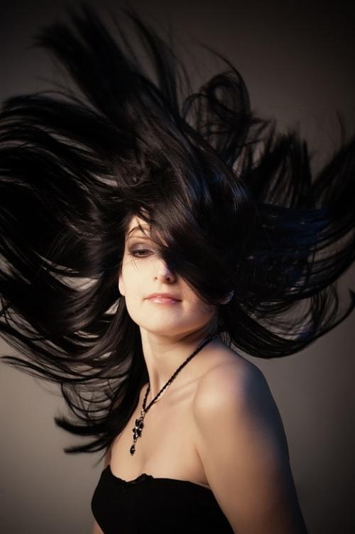 Как смыть краску с волос быстро. Как смыть темную краску