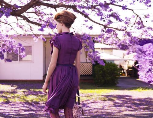 Кому идет фиолетовый цвет в одежде. Сиреневый цвет в одежде и его сочетание с другими оттенками