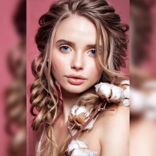 Модели для прически и макияжа