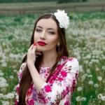 Образ с цветочным платьем.