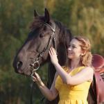 А еще у вас есть невероятно крутой шанс получить бесплатно фото сессию с конем в р - оне мирожского монастыря!