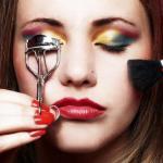 10 проблем девушки, которая делает макияж и женскую прическу самостоятельно.