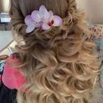 Девушки, записывайтесь на причёску и макияж к свадьбе, выпускному вечеру или к любому другому мероприятию.