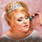 Нужно ли снимать сборы невесты и жениха?