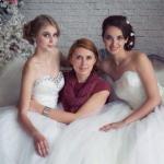 Дорогие невесты!  У вас скоро свадьба, а вы еще не выбрали платье, не определились с прической и макияжем?